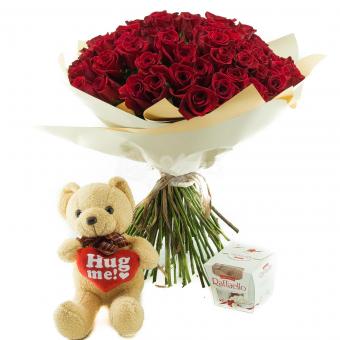 Набор из 101 розы, медведя и конфет